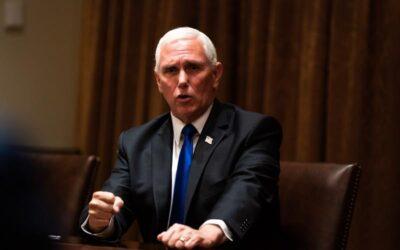 Pence es interrumpido por gritos de «traidor» en un foro conservador