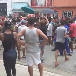 IMPONENTES DEMOSTRACIONES EN CUBA