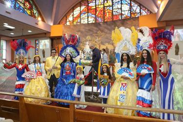St. John the Apostle se vistió de fiesta patria para exaltar a la Virgen de la Caridad